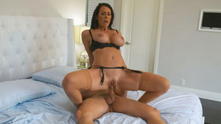 Sexy Cougar Reagan Foxx with Awesome Big Tits Seduced Bachelor